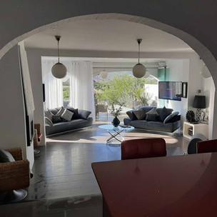 livingroom3_lg.jpg