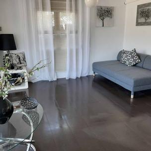 livingroom2_lg.jpg