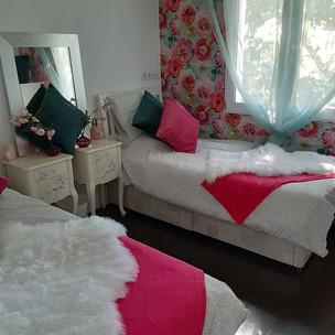bedroom1_lg.jpg