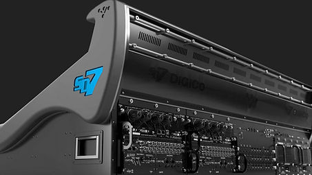 DiGiCo_Quantum338_Angle_Art_BW copy.jpg