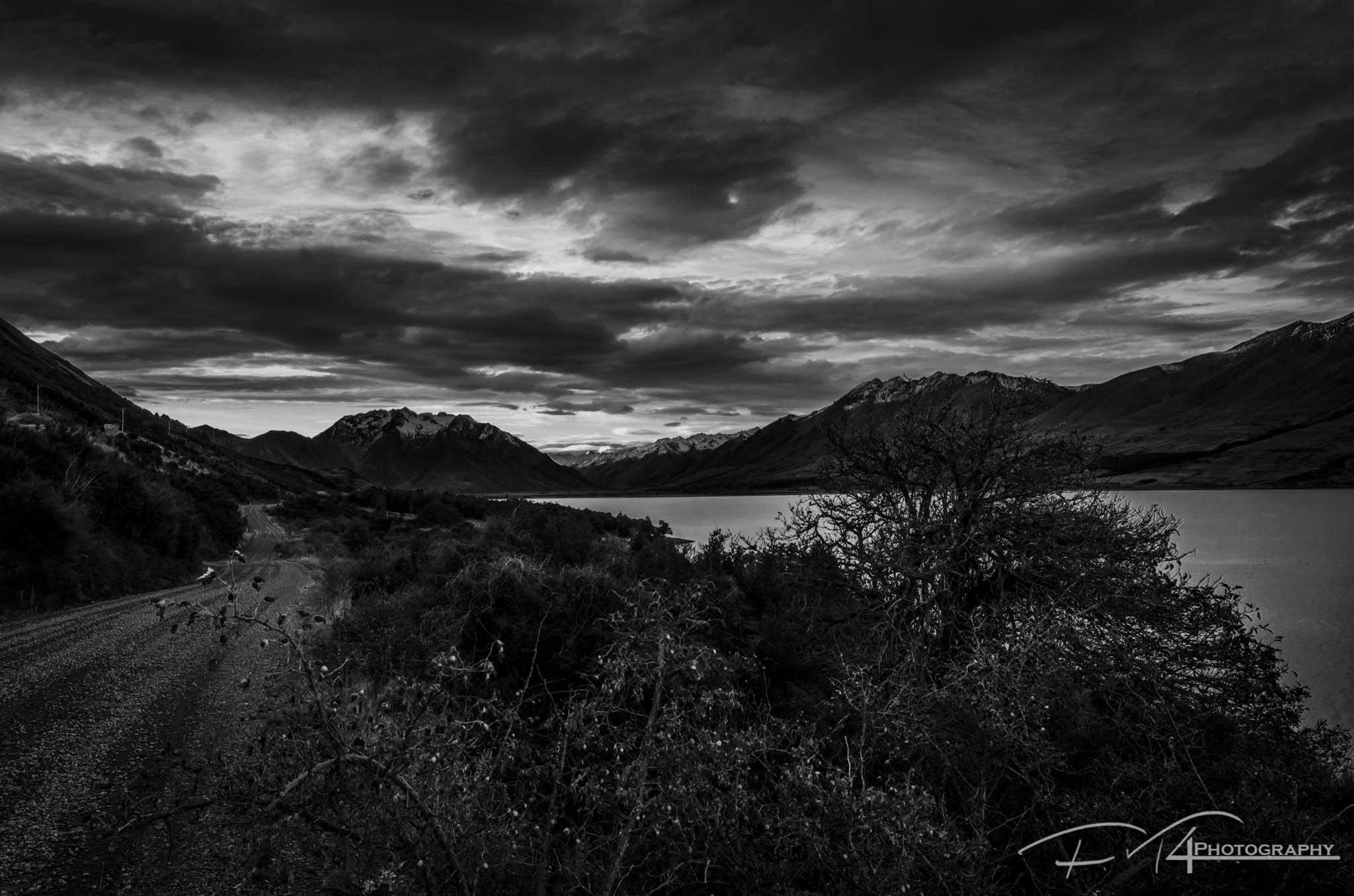 Along the lake (NZ)