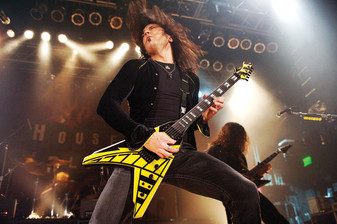 STRYPER - Covering Themselves This Time