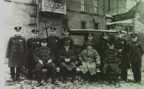 The 1934 East Liverpool, Ohio Police Department, whose men played a crucial role in bringing down Charley Floyd