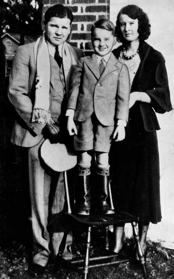 The Floyd family—Charley, son Jack Dempsey, and wife Ruby—while living in Tulsa around 1932