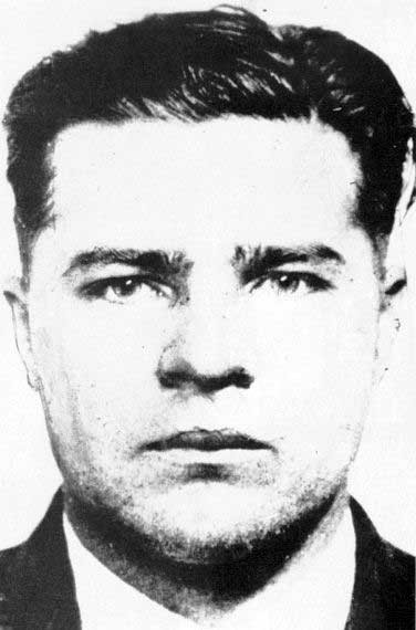 Mug shot of Floyd around 1930, the last time the law had him in custody until his death in 1934.