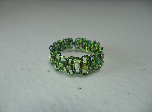 Green Beaded Wire Ring - Size 7.5
