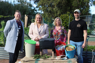 City of Newcastlebringsthecompost revolutionto the family home