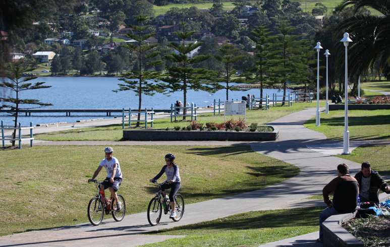 warners bay cycling track around Lake Macquarie
