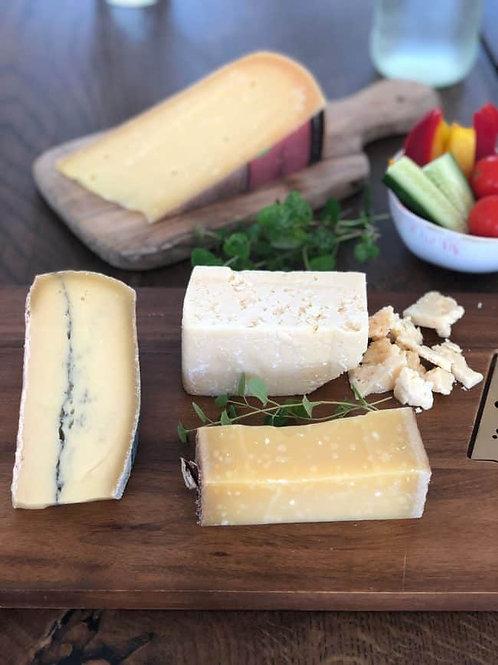 3 slags Thise oste med tilbehør