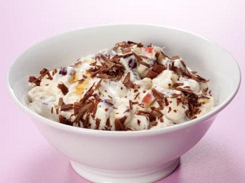 Frugtsalat med hasselnødder og chokolade