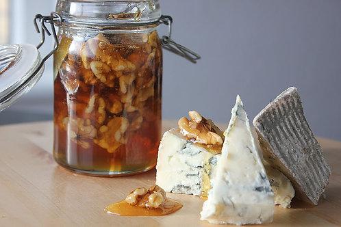 2 slags oste med kompot og druer