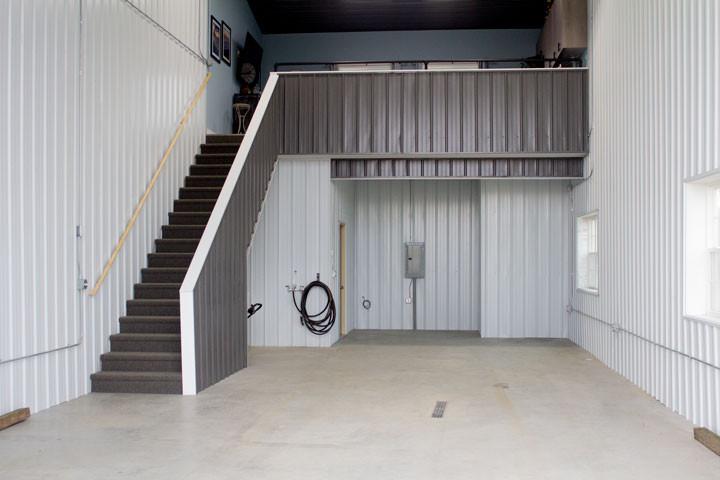 Web-Ultimate-Storage--loft-stairs.jpg