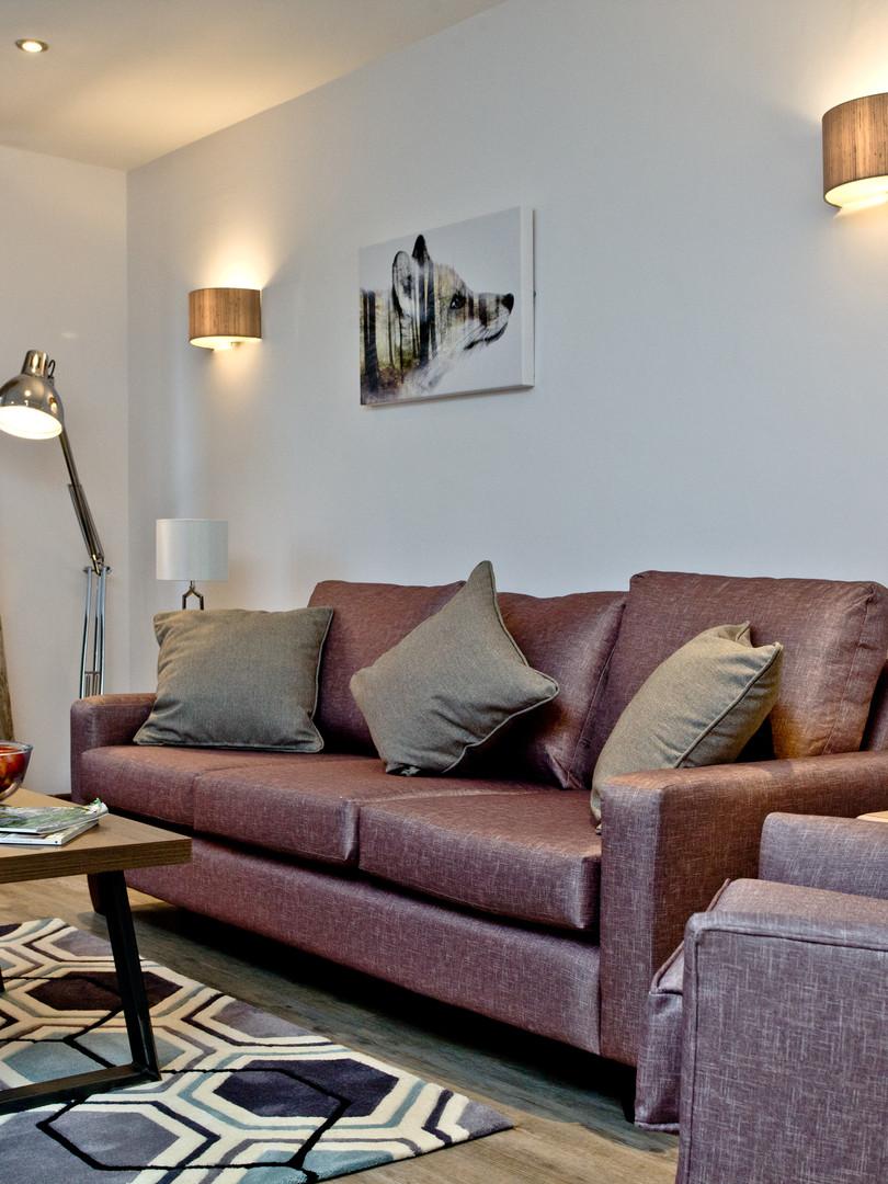 Apart 37 - Living area._1.jpg