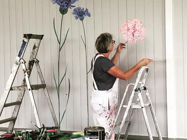 Lucy Tiffney At Floral Days Café