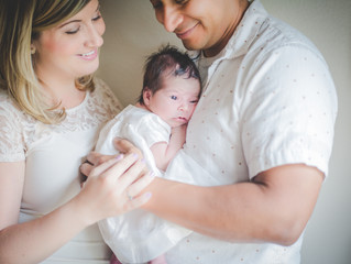 Lifestyle Newborn session | Baby Cora