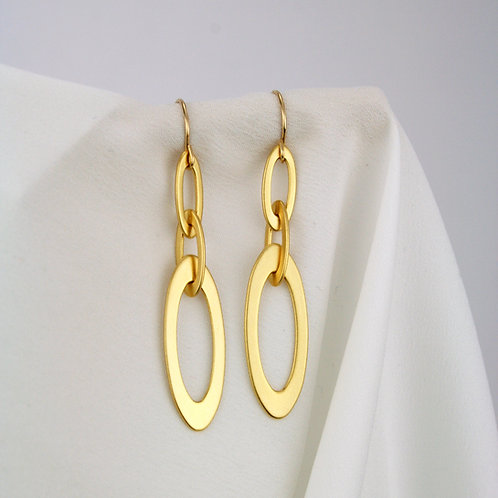 Ava Earrings Gold
