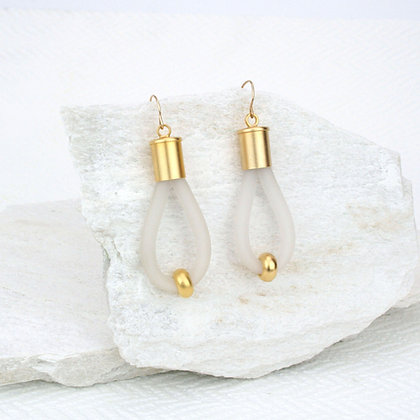 Lucy Earrings White & Gold