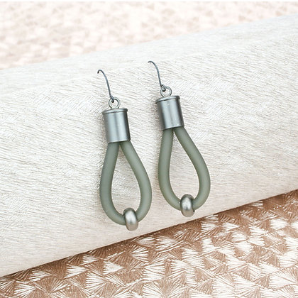Lucy Earrings Grey & Gunmetal
