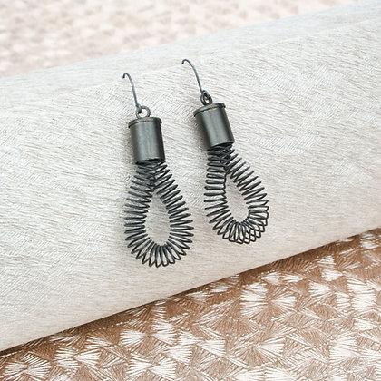 Loop Earrings Black