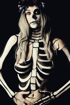 bodypainting skeleton makeup