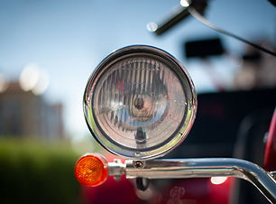motorcycle-4333579_1920.jpg
