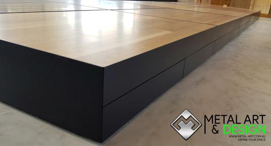 showroom-bowens-display-boxes-steel-fabr