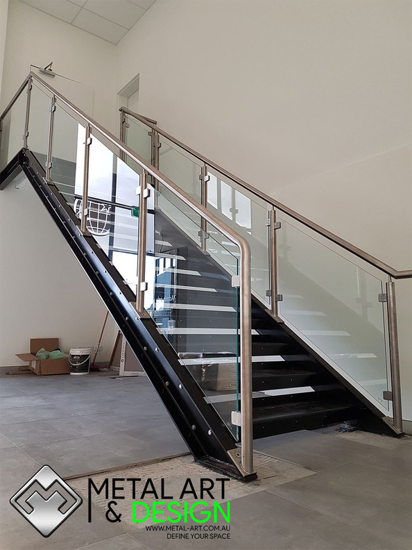Stainless-glass-balustrade-cts'.jpg