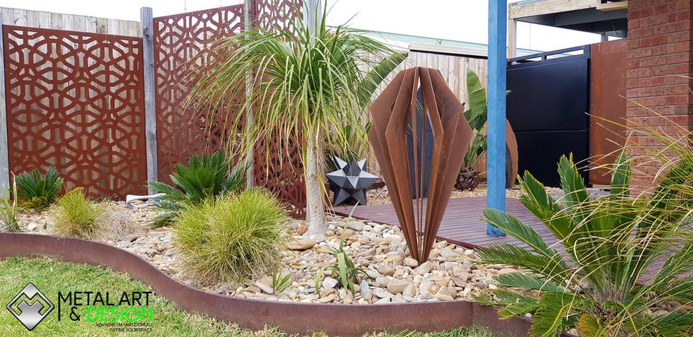 Pendulum sculpture