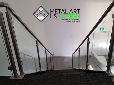 Stainless-glass-balustrade-cts-3.jpg