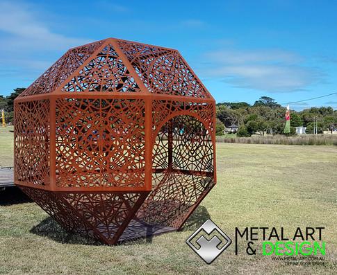 Geometric walk in sculpture