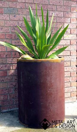 Large pipe pot