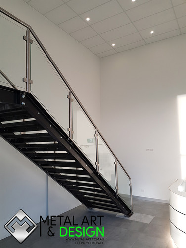 Stainless-glass-balustrade-cts-2.jpg