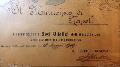 Il Municipio di Napoli socio Touring Club Italiano ?