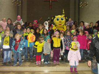 Kinder folgten St. Martin