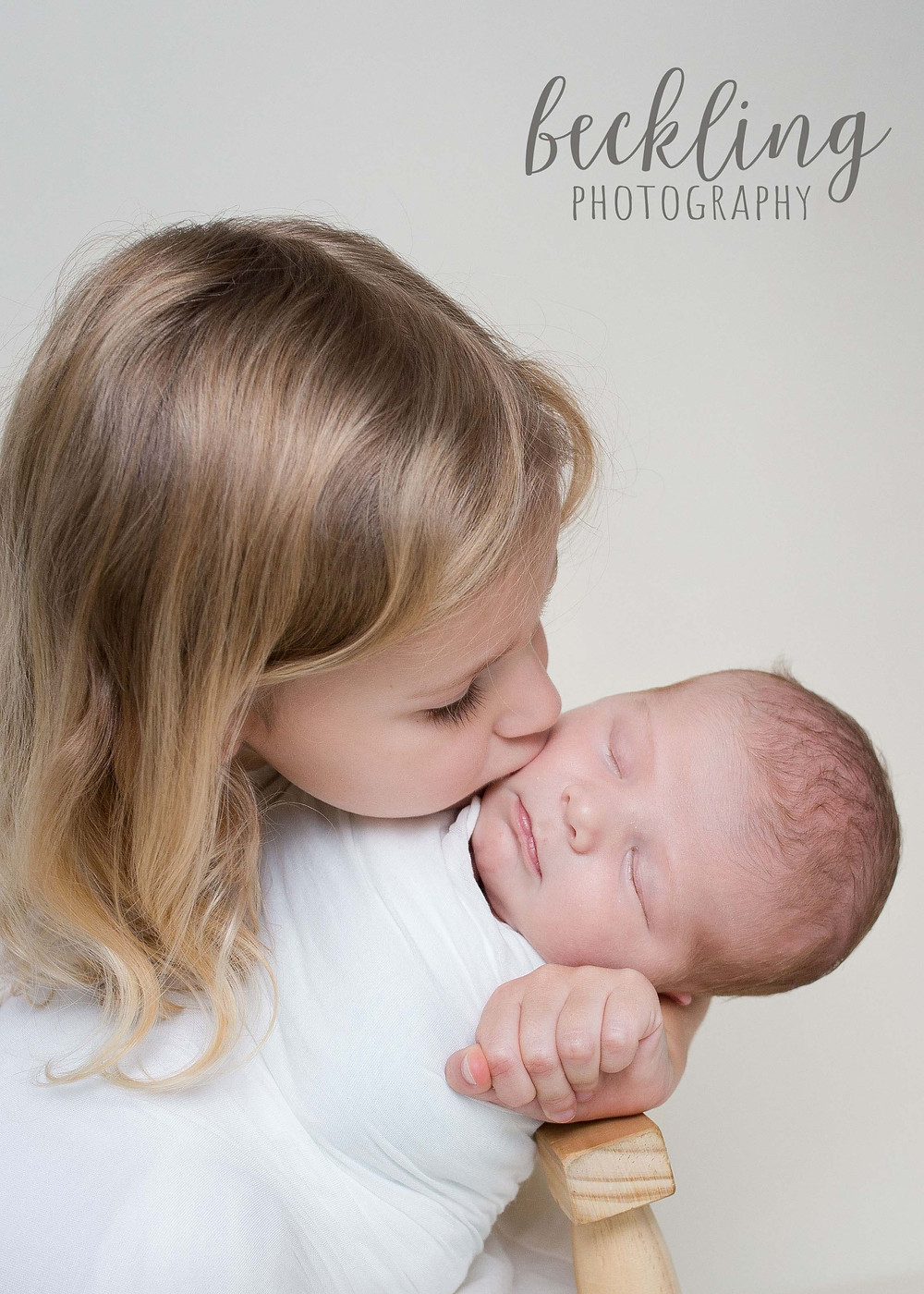 Savannah Newborn Photography, Savannah Newborn Photographer, Newborn sibling portrait, big sister and newborn