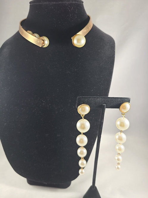 Gold and Pearl Open Necklace