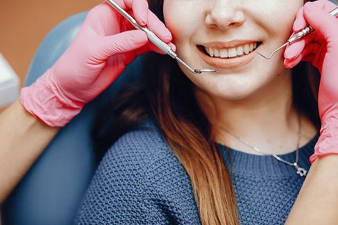beautiful-girl-sitting-dentist-s-office2