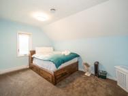 Youth Bedroom 1.jpg