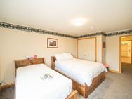Youth Bedroom 14.jpg