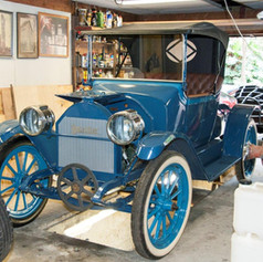 1913 Detroiter.  Non-heritage gadget assists with engine timing