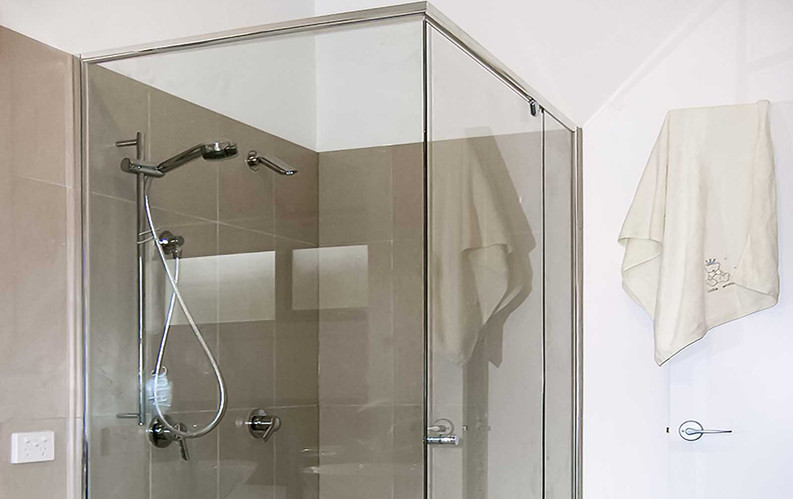 Semi-Frameless Shower Screen.jpg