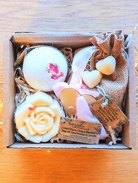 Valentines Gift box - Medium 3.jpeg
