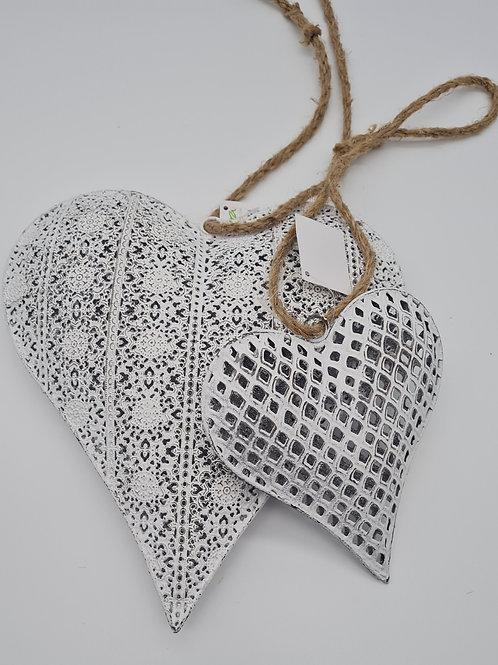 Herz Hänger weiß in zwei verschiedenen Größen erhältlich