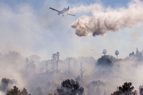Firefighting planes put out a fire in Kiryat Tivon, Israel, 2012