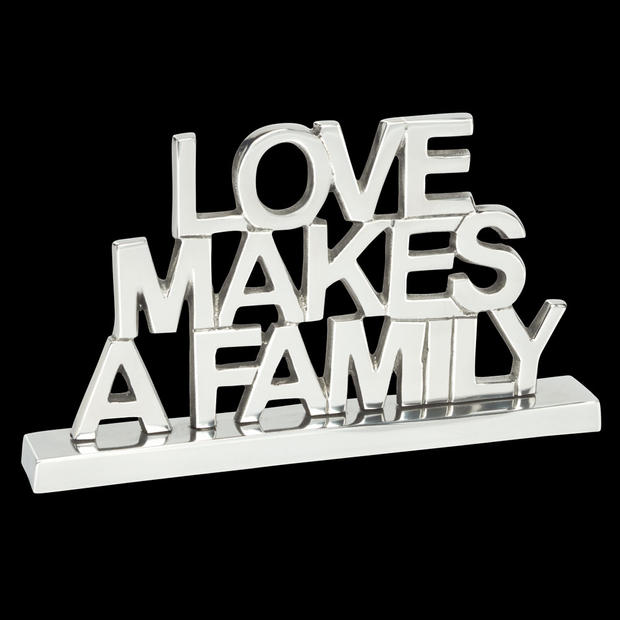 1552_love-makes-a-family-BK.jpg