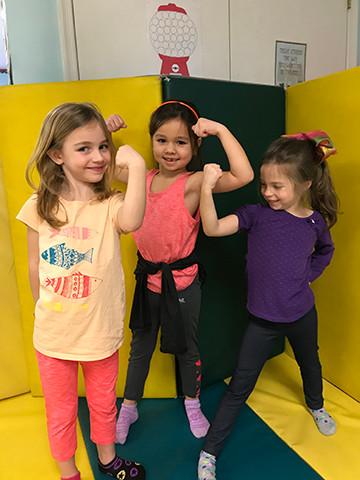 KDA girl-muscles72.jpg