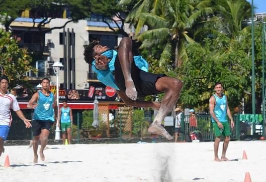 L'interview FOOTNC du vendredi : à la découverte du Beach Soccer Tahitien avec Makalue XOWI (Lifou)!