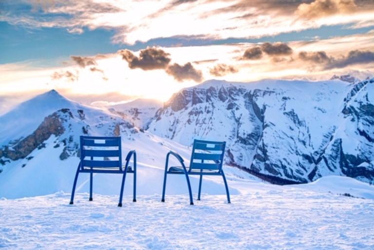 stoelen sneeuw_edited.png
