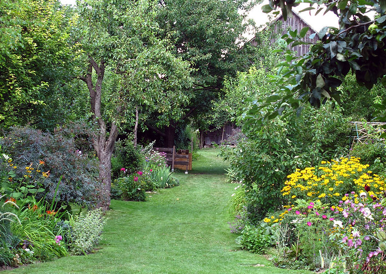 přírodní zahrada.jpg