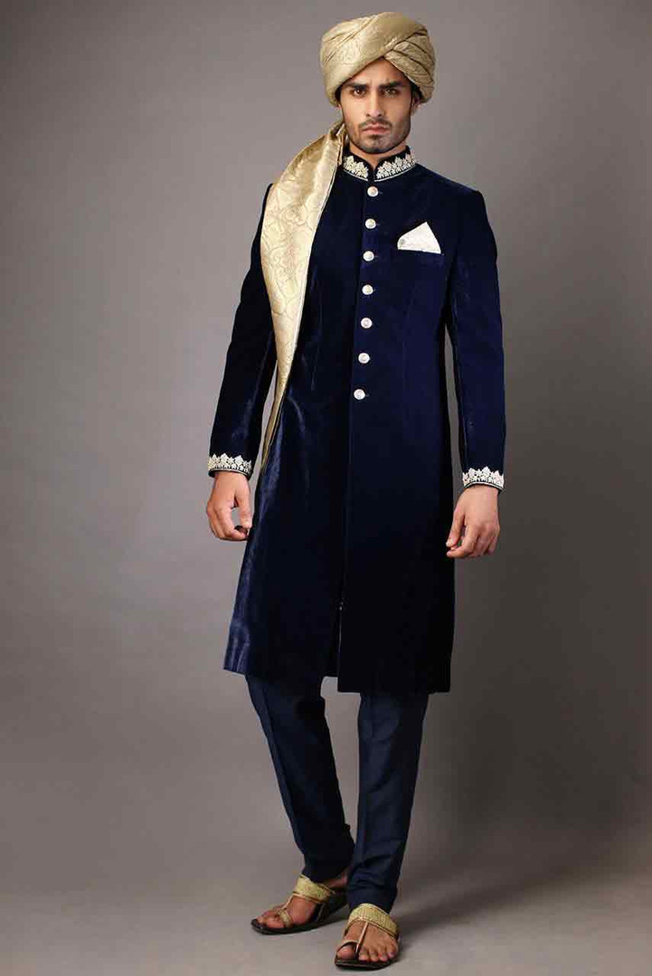 Groom-wedding-sherwani-designs-for-barat